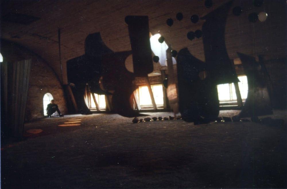 Rumsinstallation i bryggeriet: T.S. Eliot och mellanrummen